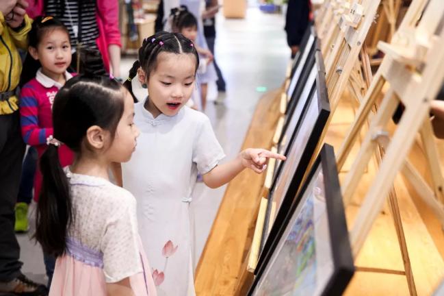 婷婷唱古文巡回画展视频|在孩子的诗画中感受世界的纯净